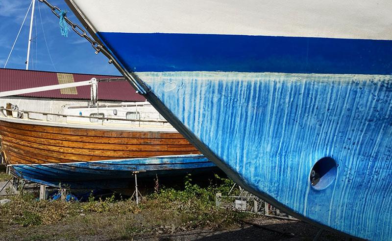 Nya rekommendationer om hur båtbottenfärgen bör saneras