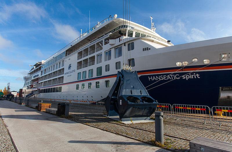 Tyskt kryssningsfartyg på besök i  Luleå